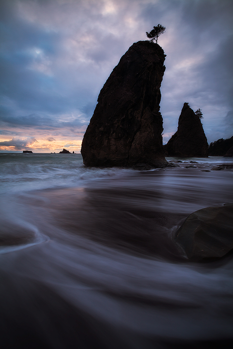 beach,cloudy,coast,coastal,crashing,evening,north america,northwest,ocean,pacific northwest,pacific ocean,rialto beach,sea stack,shore,united states,vertical,washington,water body,wave