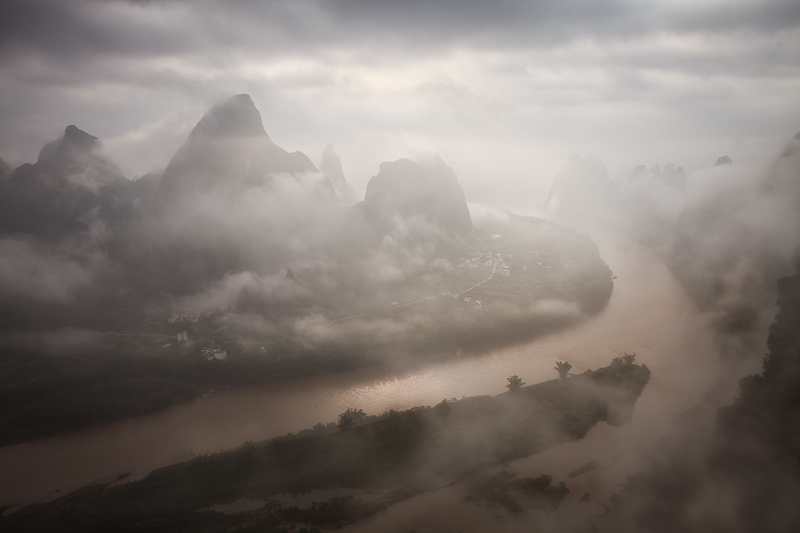 asia,china,cloud,cloudy,guilin,hill,horizontal,li river,mountain,xiang gong shan
