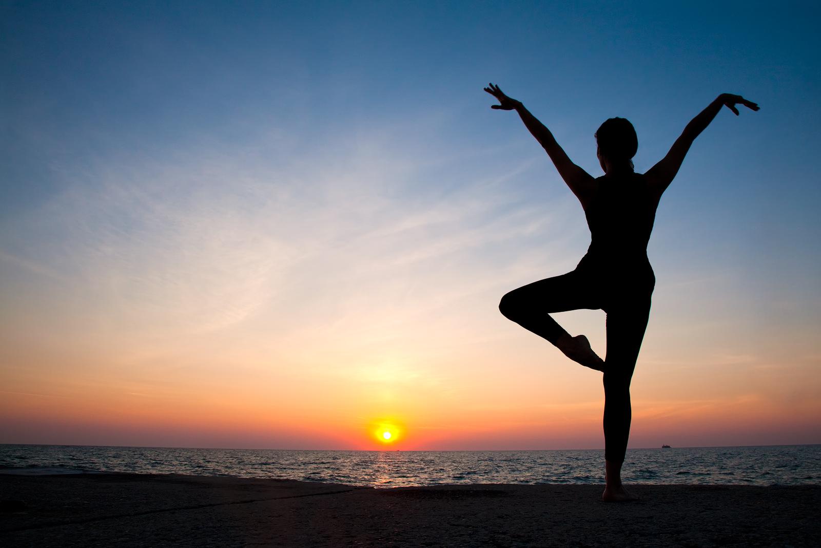 agility,america,ballet,chicago,dance,dancer,exercise,flexibility,horizontal,il,illinois,lake,lake michigan,midwest,morning,north america,silhouette,sunrise,united states,us,usa,yoga, photo