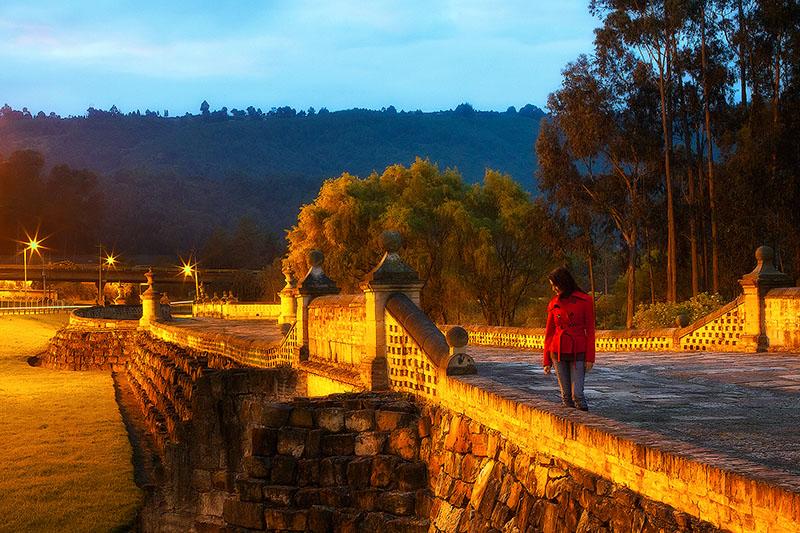chia,city scape,cityscape,coat,colombia,colombian,female,horizontal,puente del comun,south america,woman, photo