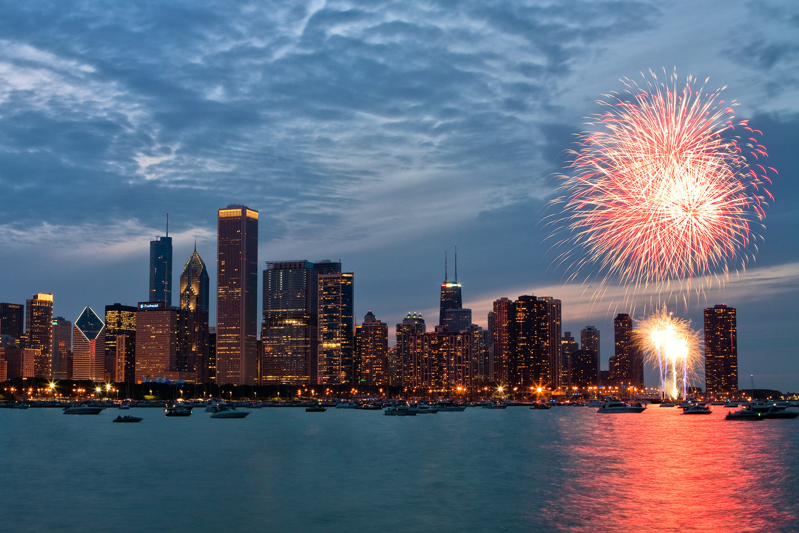 4th of july,america,chicago,city scape,cityscape,fireworks,fourth of july,horizontal,il,illinois,independence day,july 4th,july fourth,lake michigan,midwest,nor, photo