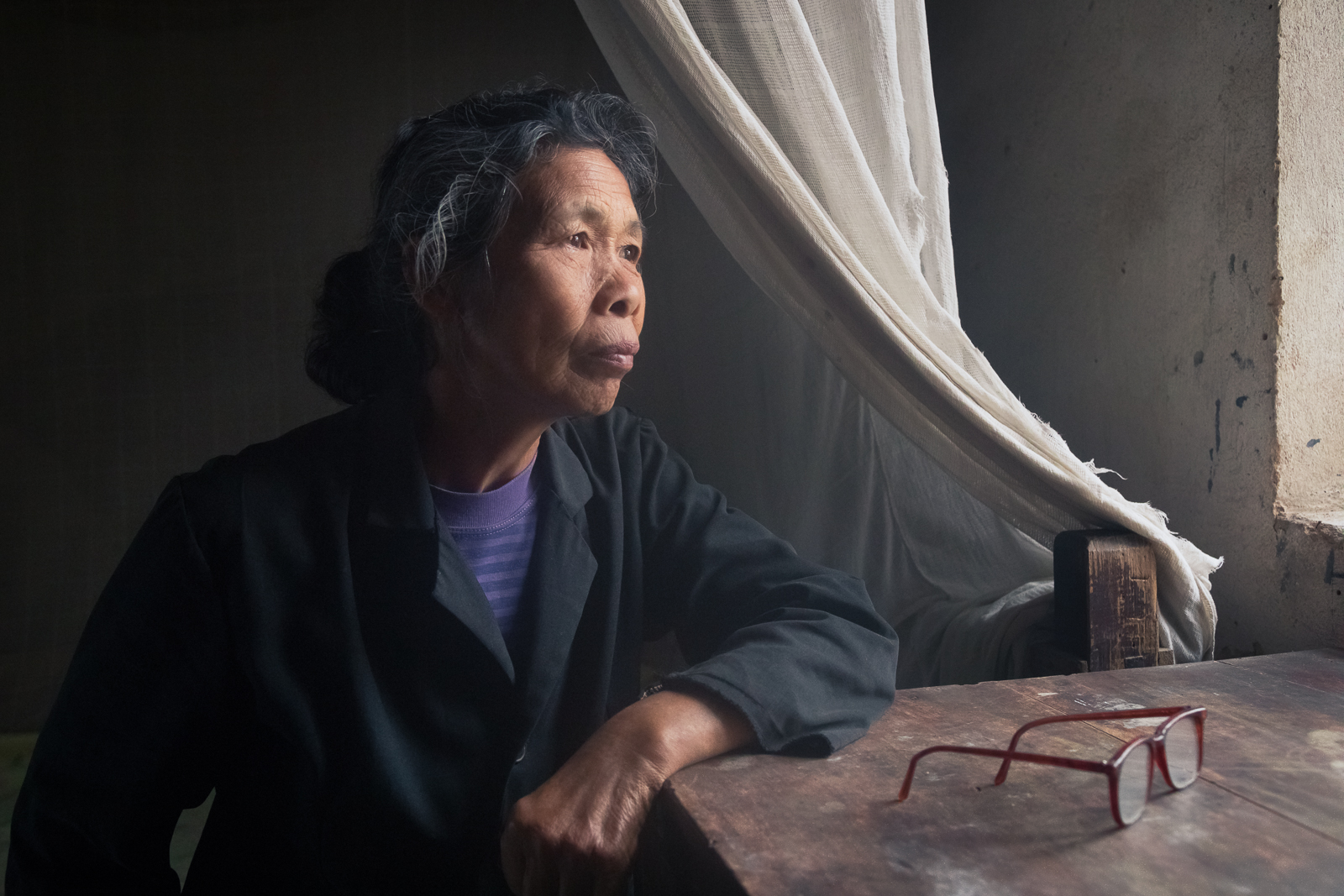 2017, asia, asian, china, chinese, elderly, environmental portait, female, guilin, male, man, old, older, people, portrait, window, window light, woman, xing'ping, xingping, yangshuo, yangshuo area, photo