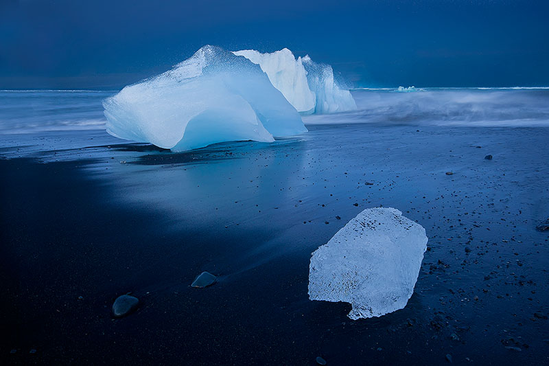 beach,berg,black sand,breidamerkursandur,breiðamerkursandur,europe,horizontal,iceberg,iceland,north america,sand,south,southern,united states,breiðamerkursandur, photo