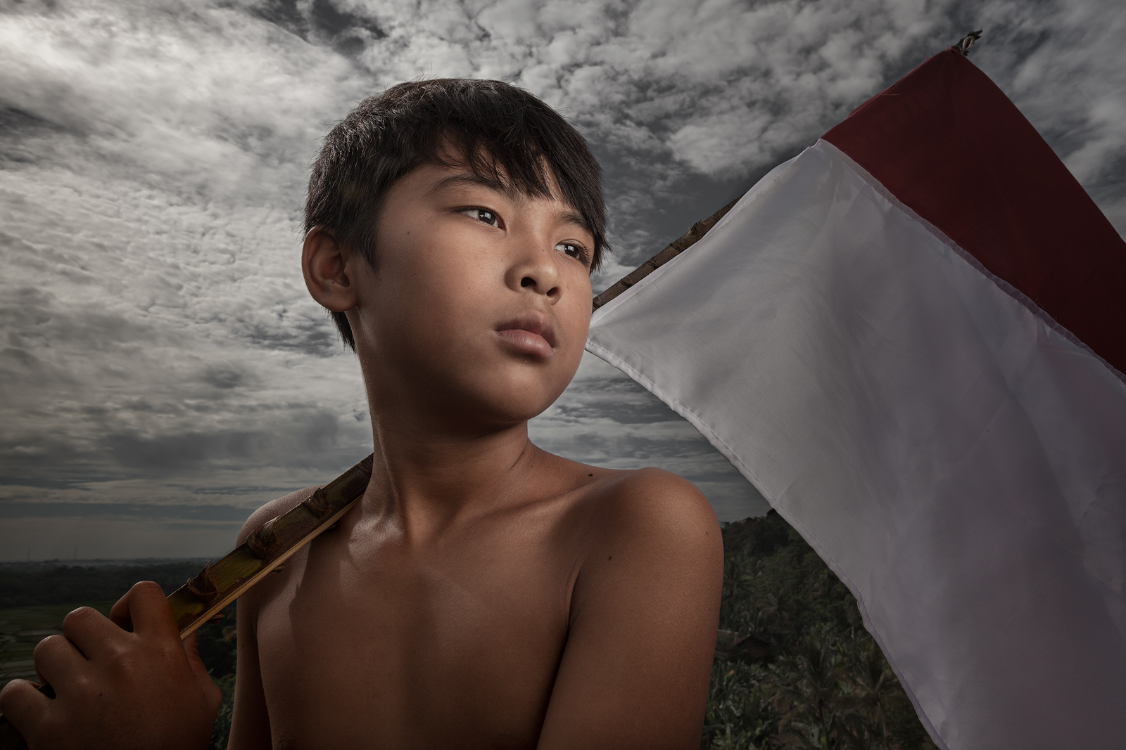 asia,asian,boy,environmental portait,flag,indonesia,indonesian,jakarta,java,male,portrait,rumpin,west java,young, photo