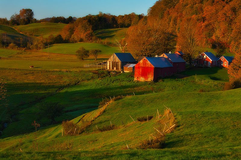 america,autumn,barn,building,colors,east,eastern,fall,farm,foliage,horizontal,jenne farm,new england,north america,reading,united states,us,usa,vermont, photo
