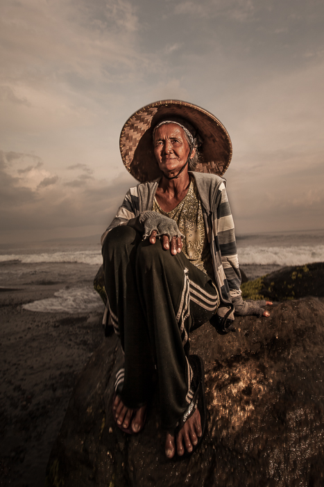 asia,asian,bali,beach,composite,composite subject,east java,elderly,female,indonesia,indonesian,java,mascedi,mascedi beach,old,older,sitting,woman, photo