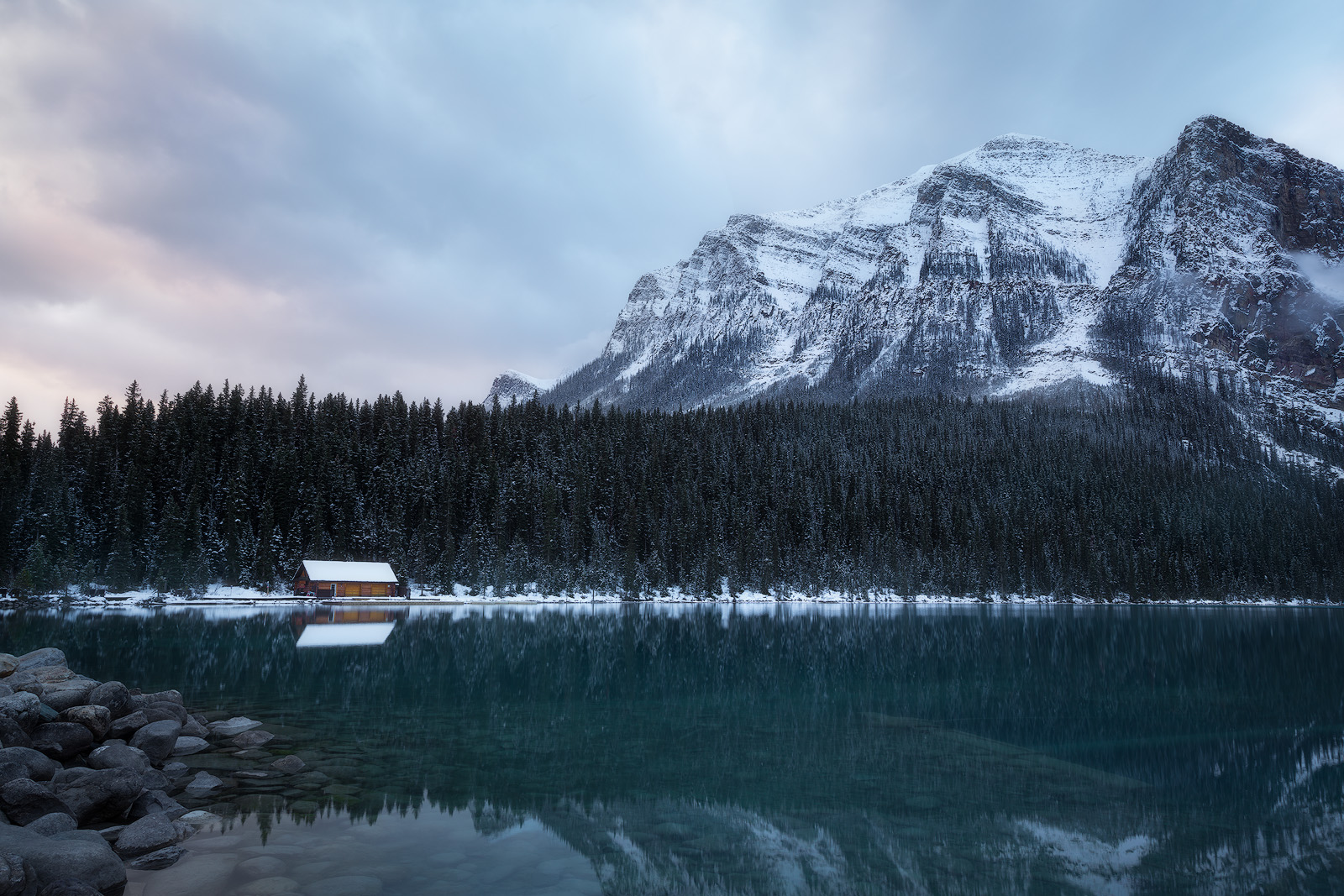 alberta,banff,beautiful,blue,canada,classic,cloudy,lake,lake louise,landscape,larch,morning,mountain,mountain range,north america,peak,reflection,snow,trees,turquoise,water body, photo