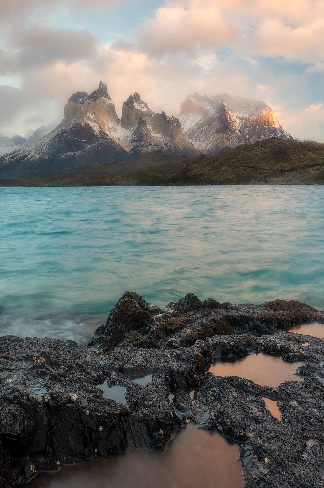 andes mountains,beautiful,cerro paine grande,chile,hosteria pehoe,lago pehoé,lake,landscape,los cuernos,morning,mountain,mountain range,patagonia,peak,snow,south america,sunrise,torres del paine natio, photo