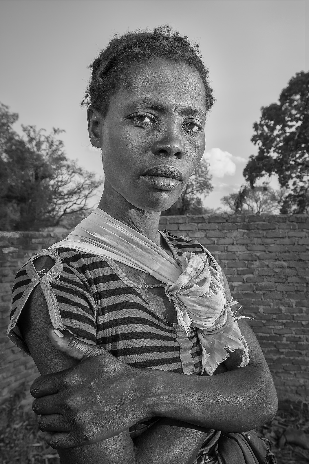 africa,african,baby,black,child,daughter,environmental portait,evening,family,female,girl,infant,juvenile,lady,malawi,malawian,mom,mother,portrait,woman,young, photo