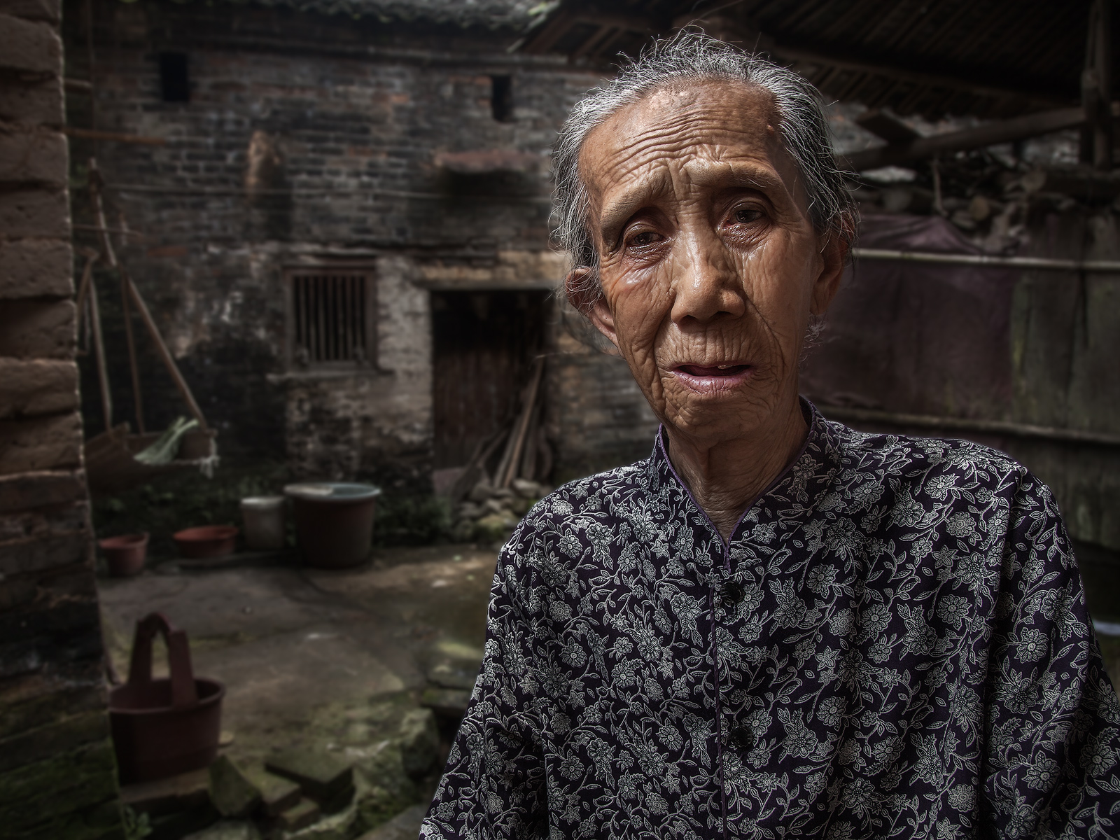 asia,asian,baisandi,baisandi village,china,chinese,elderly,environmental portait,female,flash,guilin,lady,old,older,people,portrait,woman,xing'ping,xingping, photo
