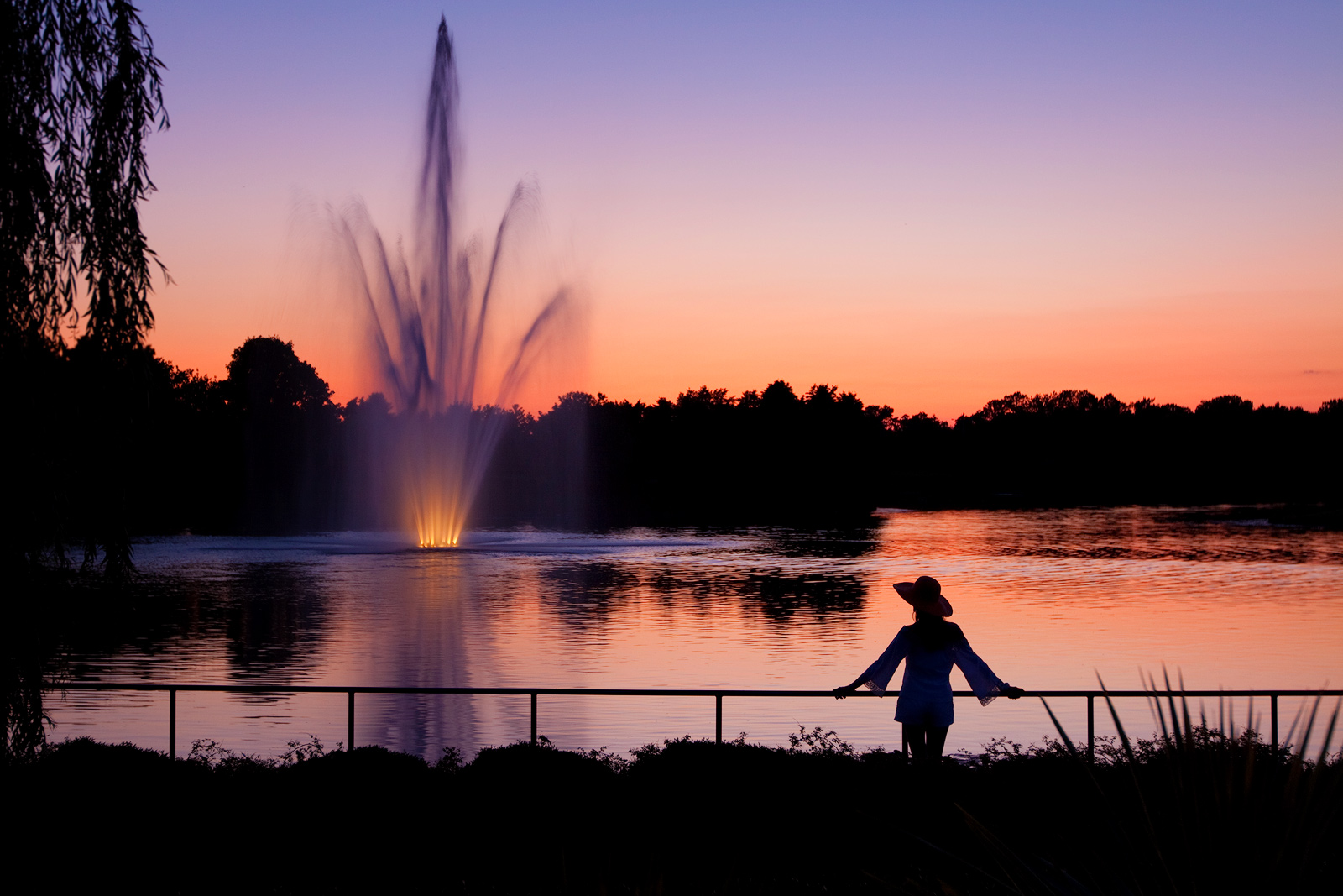 america,beautiful,botanic gardens,female,fountain,horizontal,il,illinois,lady,midwest,north america,pond,sunset,united states,us,usa,woman, photo
